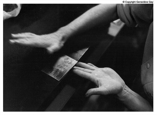 Les mains du graveur